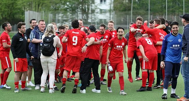 Sportfreunde-Familie lädt zur Aufstiegsfeier