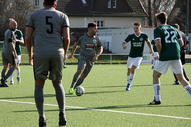 Celik knackt spät das VfB Bollwerk